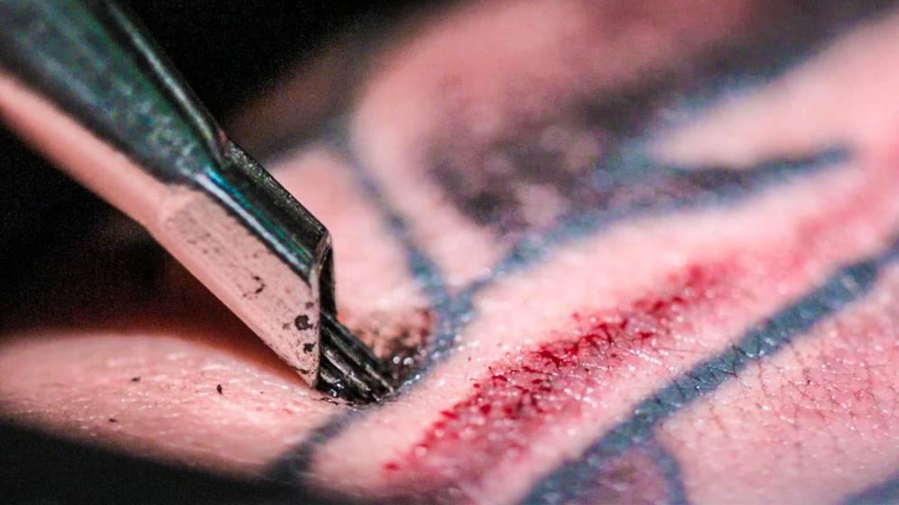 Asi  funciona la máquina de un tatuador