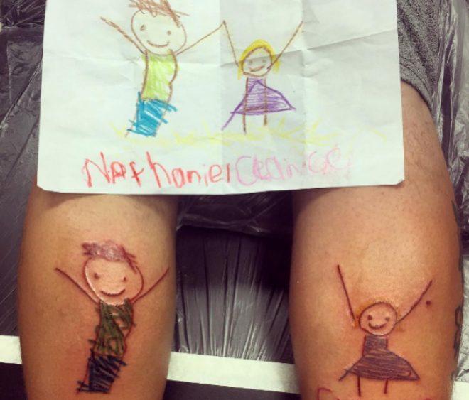 Tatuarse los dibujos de los hijos