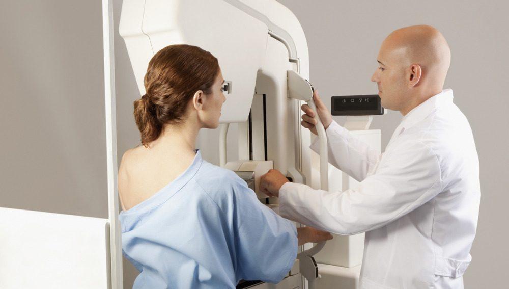 El cribado mediante mamografías consigue reducir un 35% la mortalidad por cáncer de mama