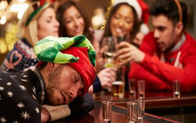 7 Consejos para compensar excesos en comidas y bebidas durante la Navidad