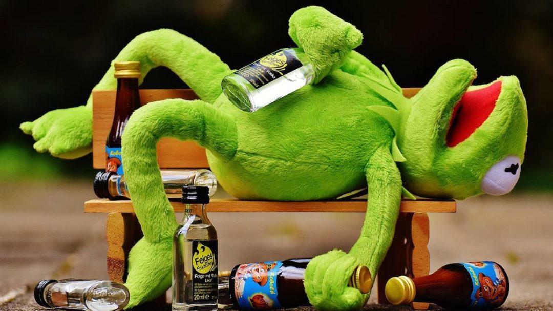 Alcohol. Su consumo se asocia a 2,8 millones de muertes al año, lo que lo convierte en la séptima causa de muerte y de discapacidad.