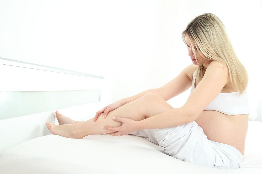 """Ejercicios para evitar que se nos hinchen las piernas  """"retención de líquidos"""""""